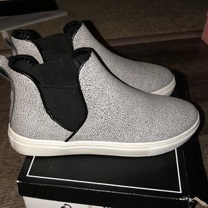 Slip on sneakers never worn